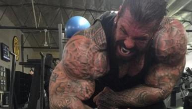 Този мъж е на стероиди от 27 години