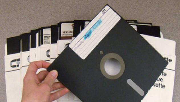Пентагона използва компютри от 70-те за атомното си оръжие