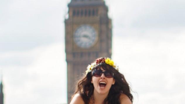 Лондон посреща голите колоездачки