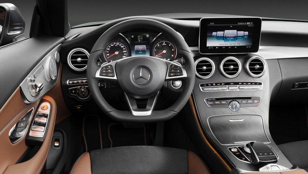 Mercedes-Benz с елегантно решение за бензиновите си двигатели