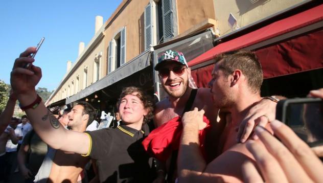 Тайсън Фюри купонясва в Ница