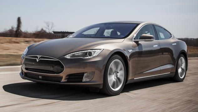 Илон Мъск потвърди – Model S може да плава много добре