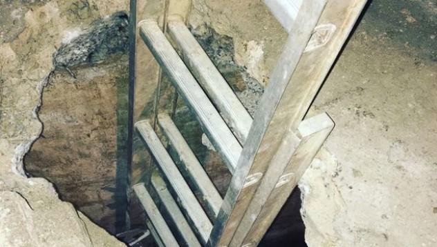 Жена открила подземен тунел в дома си