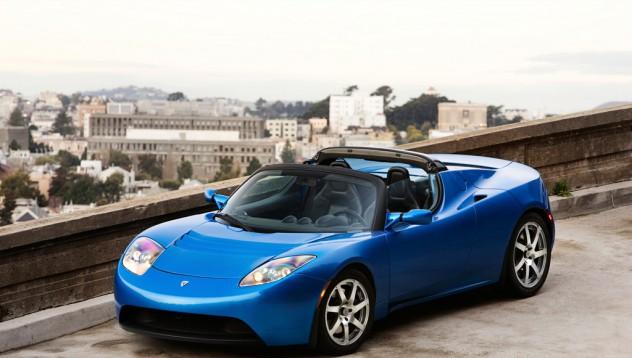 Tesla Roadster получава ръчен ъпгрейд 3.0
