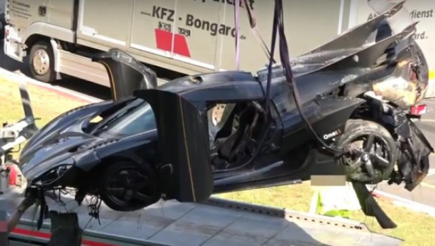Koenigsegg One:1 се разби на Нюрбургринг