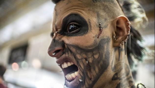 Татуисти разкрасиха почитателите на мастило в Сао Пауло