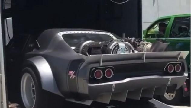 Fast 8 използва Dodge Charger с авио двигател