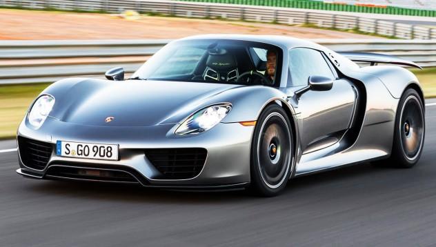 Един грешен болт връща Porsche 918 Spyder