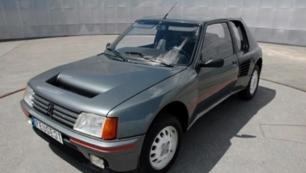 Peugeot 205 T16 е една легенда за продан