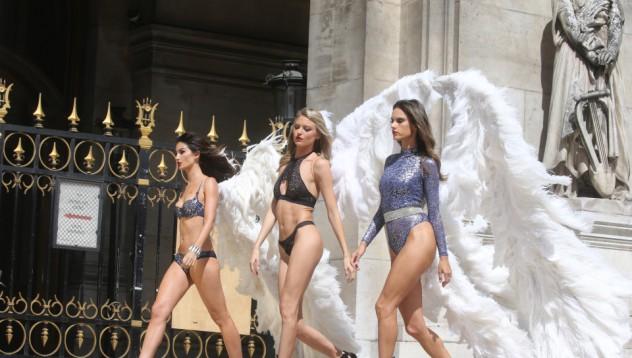 Ангелите на Victoria`s Secret в Париж