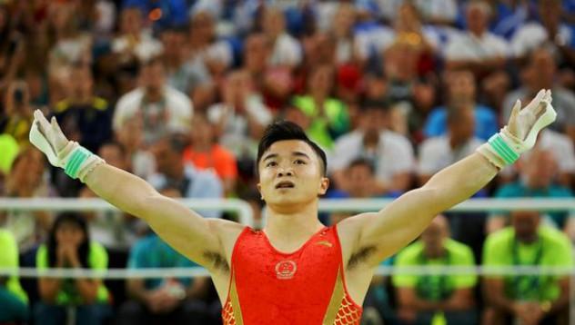 Китайска олимпийска надежда тренира в метрото