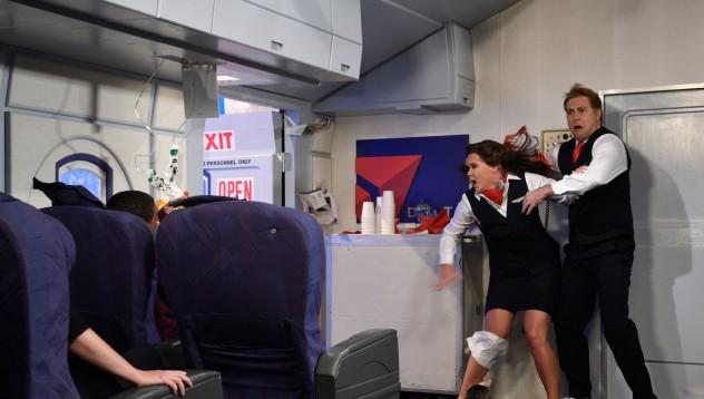 Китаец се опита да слезе от самолет