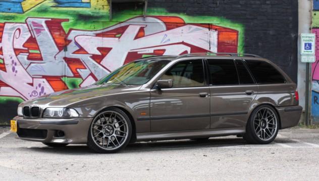 BMW от 99-а година за 25 000 долара