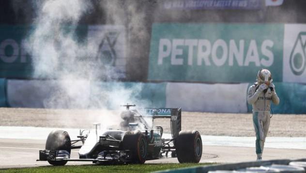 Хамилтън започна да се съмнява в Mercedes