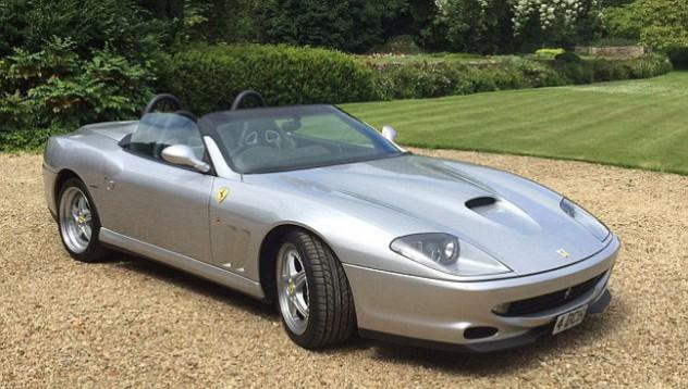 Крадец поиска да върне откраднато Ferrari