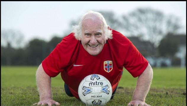 Това ли е най-старият футболист в историята на футбола