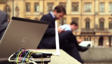 Мъж влезе с взлом, за да открадне Wi-Fi паролата