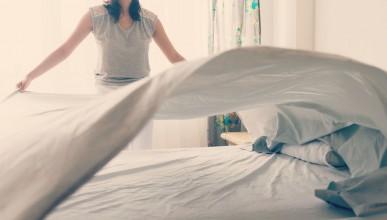 Първото легло, което може да се оправя само