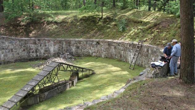 Евреи прокопават тунел към свободата с лъжици