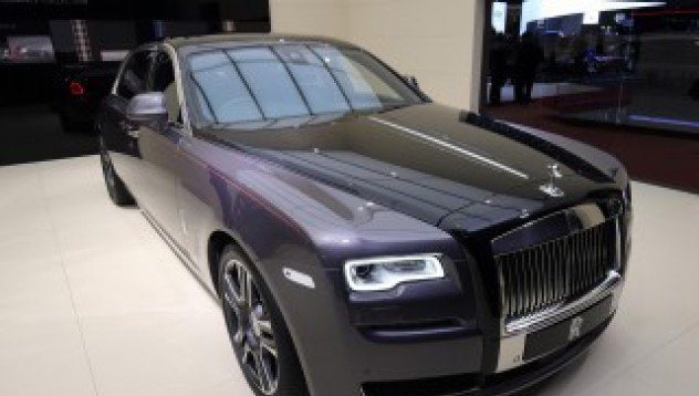 Rolls-Royce Ghost Elegante с 1000 диаманта в боята