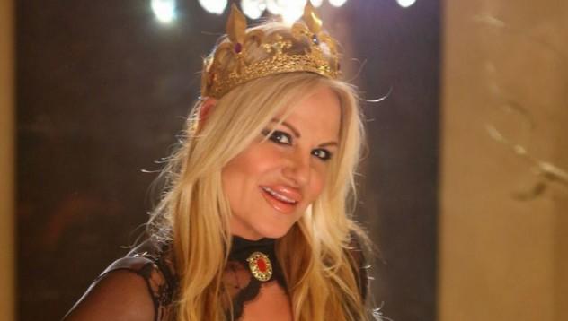Кели Мадисън е кралска особа в събота