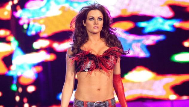 Звезди от WWE лъснаха с голи кадри (18+)