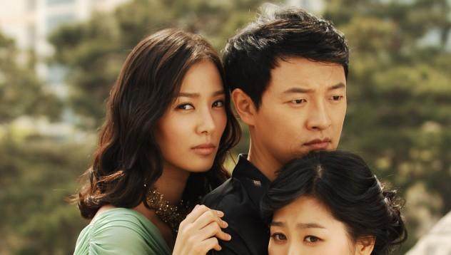 Китаец се ожени за две