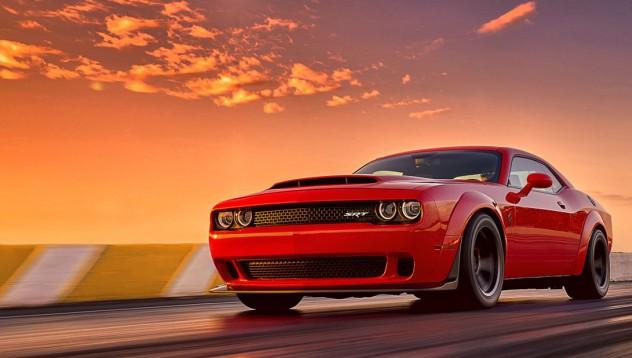 Dodge Demon с ускорение от 0 до 100 км/ч за 2 секунди