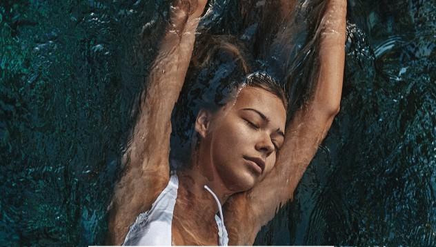Сандра Кубицка и топлата вода
