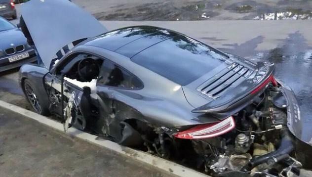 Да потрошиш Porsche за 200 000 евро