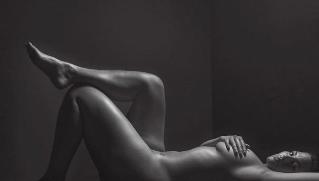 Ашли Греъм променя правилата на голите снимки (18+)
