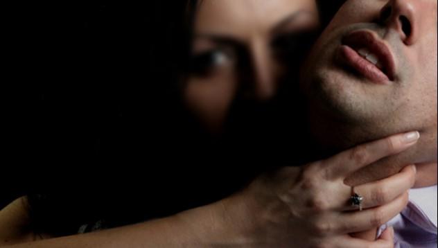 3 жени изнасилиха мъж