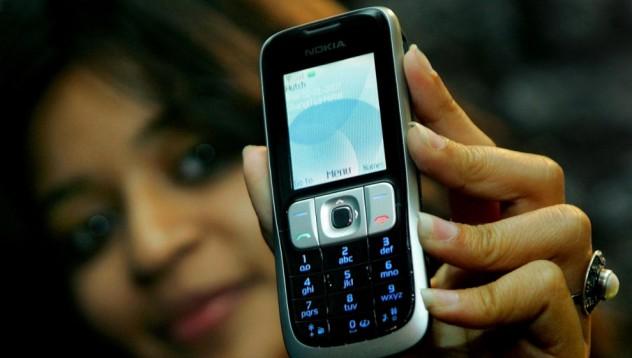 Индийските жени предпочитат старите мобилни телефони