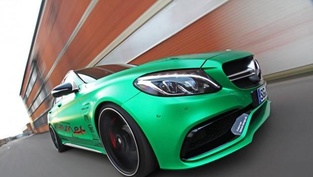 Едно комби на Mercedes-AMG