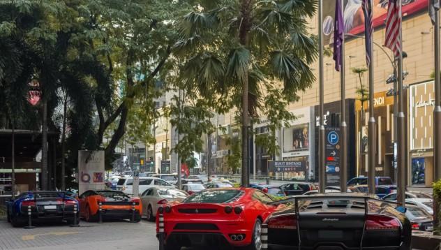 Как се паркират суперколи в Сингапур