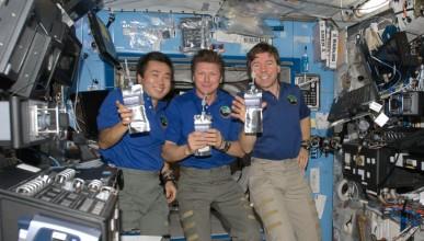 Как NASA превръща урината във вода