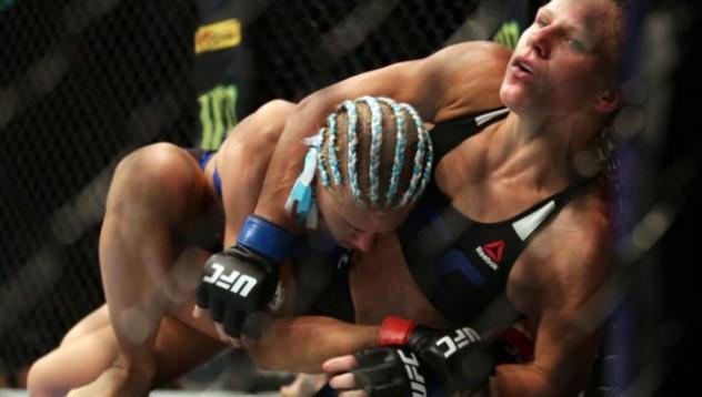 Звезда от UFC става лице на памперси