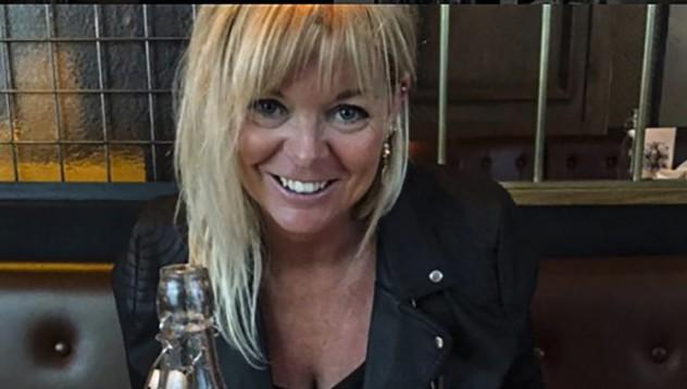53-годишна преподавателка с усилено преподаване на сексология