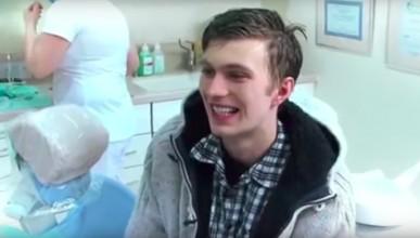 Какво се случва със зъбите, когато не ги миеш 21 години
