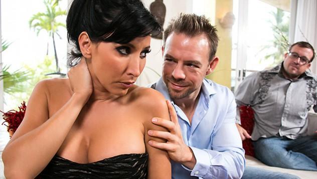 Проститутка заплашена с развод ако спре да работи