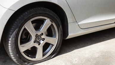 Самозалепваща се автомобилна гума