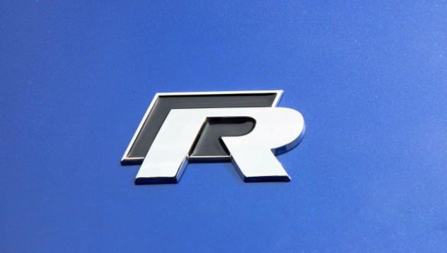 VW R срещу AMG