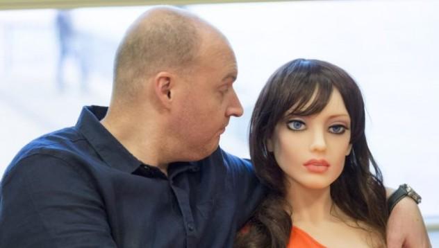 Саманта е първата говореща секс кукла