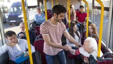 Защо не трябва да отстъпваш мястото си в автобуса