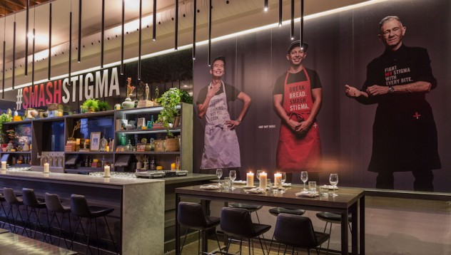 Канадски ресторант работи само с ХИВ позитивни служители