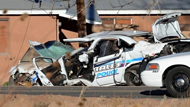 Мъж блъсна полицейска кола, за да спре катастрофите в квартала