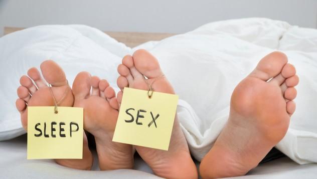 Сексът по време на сън е официално забранен