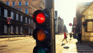 Интелигентен светофар намалява въглеродния диоксид с 1 милион тона