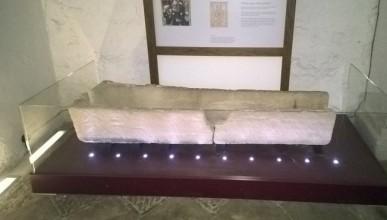 Английски турист строши музеен експонат