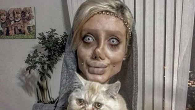 Тийнейджърка мина през 50 операции, за да прилича на Анджелина Джоли